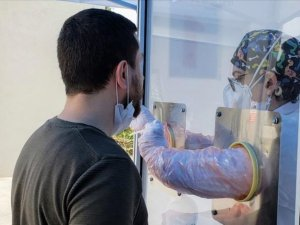 Türkiye'de koronavirüsten 21 can kaybı,988 yeni vaka