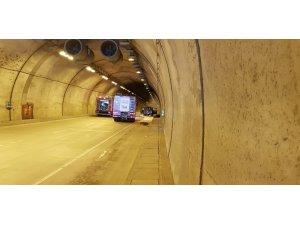 Sarıyer Tüneli'nde lüks bir cip alevler içinde kaldı