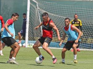 Göztepe'de Fenerbahçe maçı hazırlıkları sürüyor
