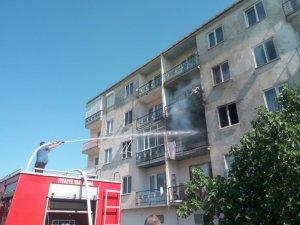 Bursa'da bir vatandaş oturduğu evi ateşe verdi