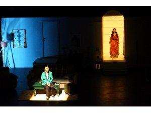 Büyükşehir Tiyatrosu kapılarını tedbirlerle açıyor