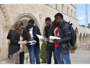 MAÜ 7 ilde yabancı öğrenci sınavı yaptı