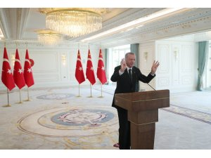 """Cumhurbaşkanı Erdoğan: """"Yeni dönemin parlayacak yıldızı olarak Türkiye gösteriliyor"""""""