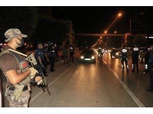Adana'da 2 bin 826 polisle huzur ve güven uygulaması