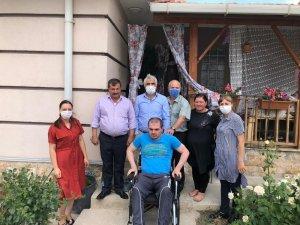 Başkan Kassanov'dan, Ahıska Türkü gence tekerlekli sandalye