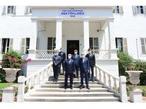 İzmir Valisi Yavuz Selim Köşger, EÜ'yü ziyaret etti