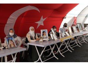 HDP önündeki ailelerin evlat nöbeti 310'uncu gününde