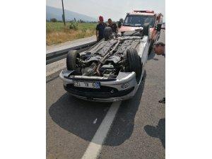Otomobil takla attı, 3 kişi hastaneye kaldırıldı