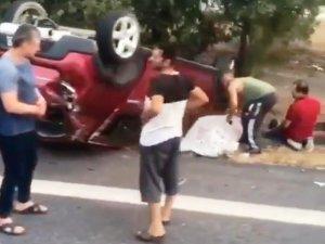 Bariyerlere çarpan otomobildeki 2 çocuk öldü