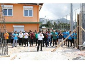 Alanyaspor'un yeni altyapı binası için kurban kesilip dua edildi