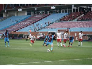 Süper Lig: Trabzonspor: 2 - Antalyaspor: 1 (İlk yarı)