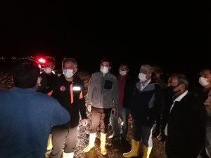 Kırşehir'de, ani bastıran dolu ve sağanak nedeniyle sel oluştu