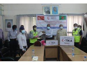 TİKA'dan Bangladeş'de hastanelere Covid-19 yardımı