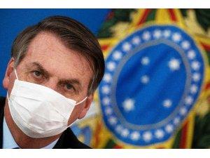 Koronaya yakalanan ve maskesini çıkaran Bolsonaro'ya gazeteciler dava açacak