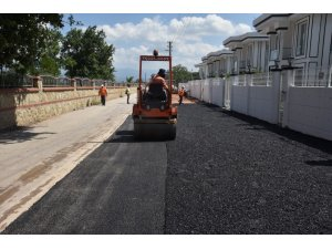 İzmit Belediyesi'nden Kabaoğlu'na 150 ton asfalt