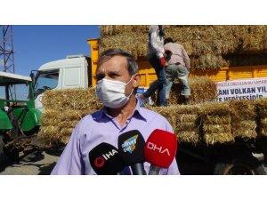Silivri'de köy köy 3 bin 200 balya ücretsiz saman dağıtıldı