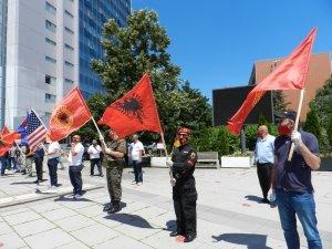 """Kosova'da gazilerden Lahey'deki mahkemeye tepki: """"İddianame kabul edilemez"""""""