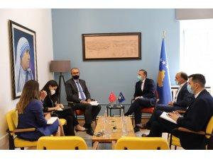 Türkiye Priştine Büyükelçisi Sakar'dan Kosova Sağlık Bakanı Zemaj'a ziyaret