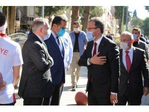 Bakan Kasapoğlu, memleketi Kula'daki yatırımları inceledi