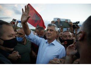 Kosova Cumhurbaşkanı Tahçi'ye Lahey dönüşü davullu zurnalı karşılama