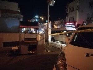 Kokoreççi ile taksiciler arasında yer kavgası: 3 yaralı