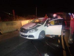 Takla atan otomobil beton bariyerlere çarparak durabildi: 1 polis hayatını kaybetti