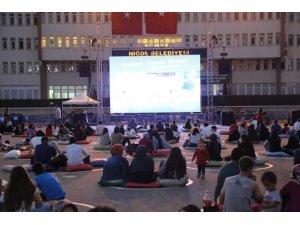 Türkiye'de ilk minderli sinema etkinliği Niğde'de yapıldı