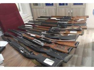 Van'da el konulan 14 tüfek ihale ile satıldı