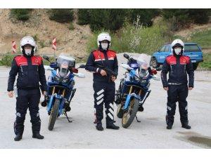 Jandarma 25 şüpheliyi yakaladı