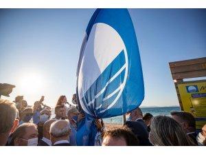 Dünyaca ünlü Ilıca Plajı Mavi Bayrak ile onurlandı