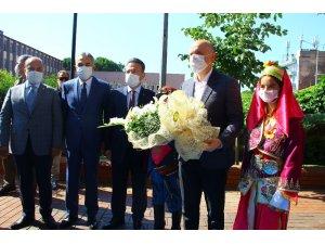 """Bakan Karaismailoğlu: """"Aydın-Denizli otoyolunu 2 yıl içinde hizmete açmayı hedefliyoruz"""""""