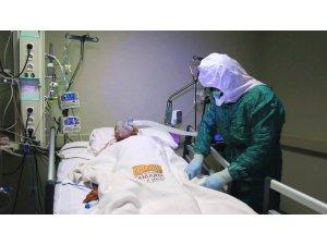 Şanlıurfa'da sağlık çalışanlarının zorlu mesaisi