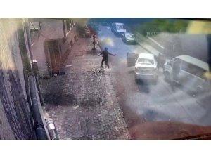 Bağcılar'da polise silahlı saldırı anı kamerada