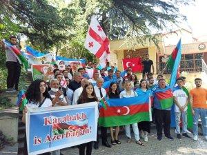 Azerbaycan'ın Tiflis Büyükelçiliği önünde Ermenistan protestosu