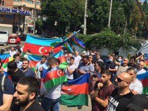 Ukrayna'daki Azerbaycan vatandaşlarından Ermenistan protestosu