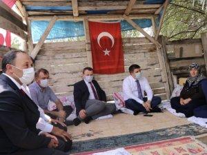 Vali/Belediye Başkan Vekili Sarıibrahim, şehit ailesini ziyaret etti