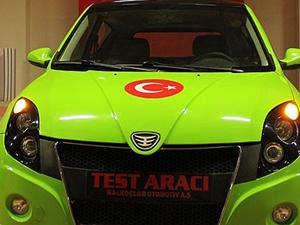 """Başbakan tavsiyesiyle """"elektrikli otomobil"""" ürettiler"""