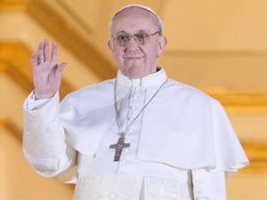 Papa'nın barış güvercinlerine öfkeli kuşlar saldırdı