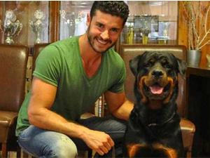 Berk Oktay köpeğini barınağa verdi