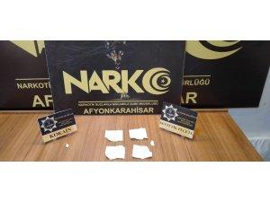 5 peçeteye 32 bin TL'lik sentetik uyuşturucu emdirdiler