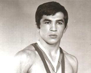 Eski milli güreşçi Sümer Koçak, hayatını kaybetti
