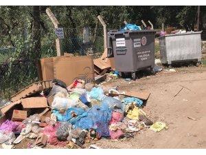 Tatilciler Erdek'i çöplüğe çevirdi