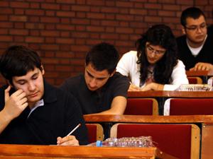 Üniversite sınavına girecek adaylara burs imkanı