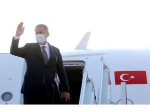 Bakan Akar ve Kuvvet Komutanları Azerbaycan'a gitti
