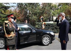 Bakan Akar, Afganistan eski Cumhurbaşkanı Birinci Yardımcısı Dostum ile görüştü