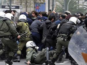 Atina sokakları karıştı