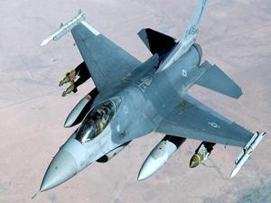 4 Yunan savaş uçağından Türk askeri uçağına önleme