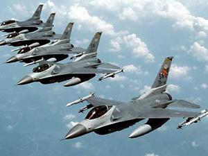 F16'lar Suriye sınırında