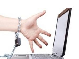 """""""İnternet sansürü AB kurallarını ihlal ediyor"""""""