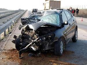 İbre 140'ta takılı kaldı, kadın sürücü ölümden döndü